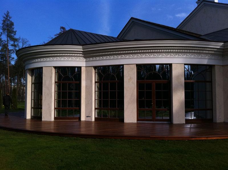 гнутые деревянные окна