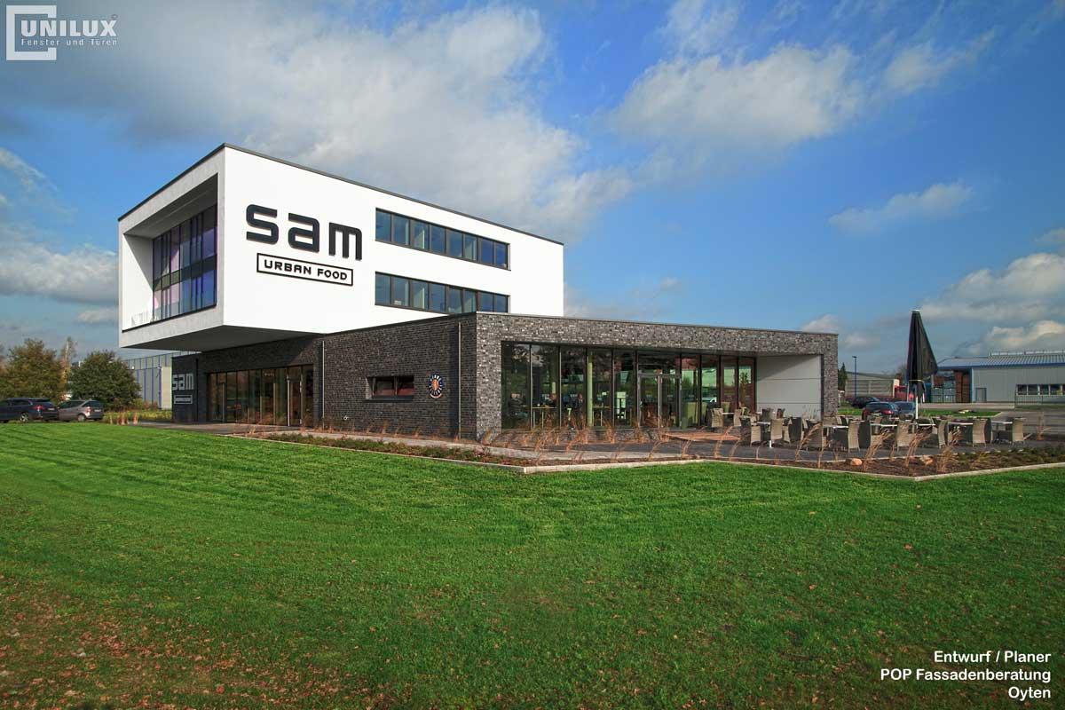 UNILUX SAM в Ойтен общий вид здания